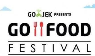 Payung teduh GO-FOOD Festival Surabaya