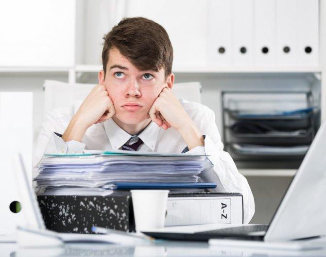 Hal-Hal yang Biasa Dilakukan di Kala Bosan di Kantor